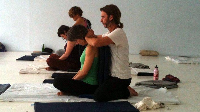 thai yoga massage taster. Black Bedroom Furniture Sets. Home Design Ideas